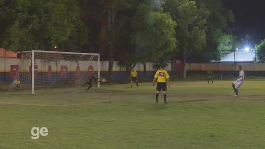 """Sub-20: """"Pediram que eu batesse"""", diz goleiro do Baré após cobrar pênalti do título do returno"""