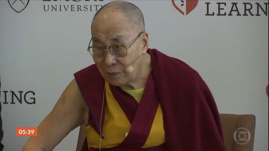 Seguidores de Dalai Lama se reúnem em hospital onde o líder segue internado