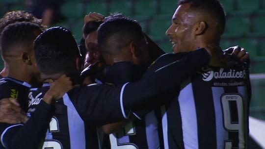 """Ainda atrás de sequência, Felipe Amorim comemora gol e pede para Figueira """"não desanimar"""""""