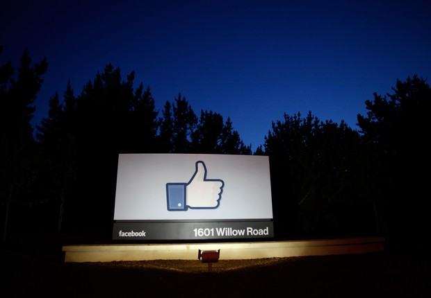 Entrada do Facebook, em Menlo Park (Foto: Stephen Lam/Getty Images)