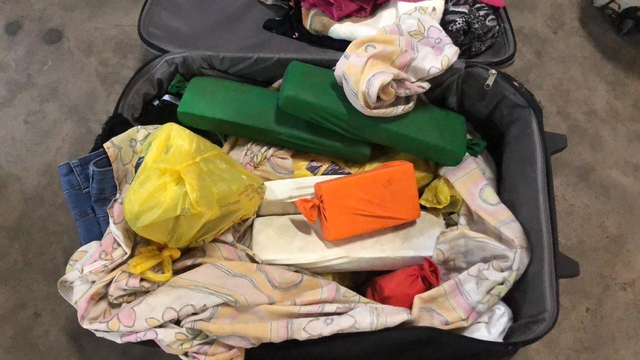 Quatro são presos e 19 tabletes de maconha são achados dentro de mala em ônibus em Alfenas - Notícias - Plantão Diário