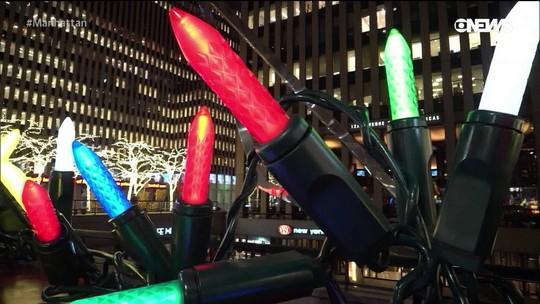 Pedro Andrade confere instalação natalina no Rockefeller Center
