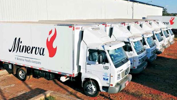 Caminhões do frigorífico Minerva (Foto: Divulgação)