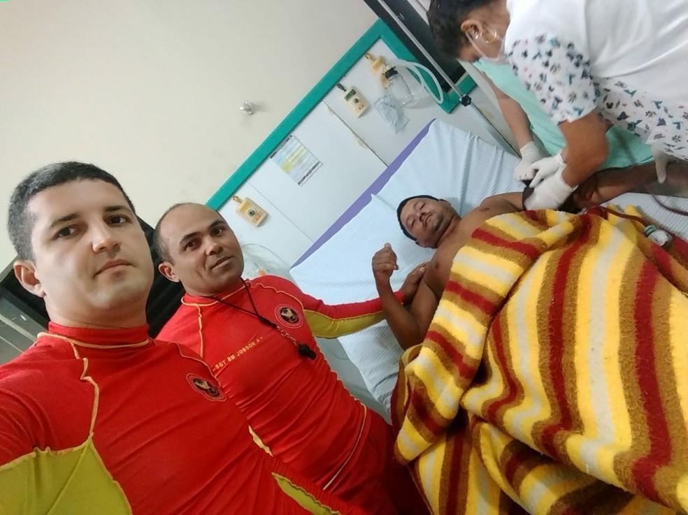 Francisco Gersilente Gomes da Silva, de 39 anos, precisou ser levado para o hospital (Foto: CBM/Divulgação)