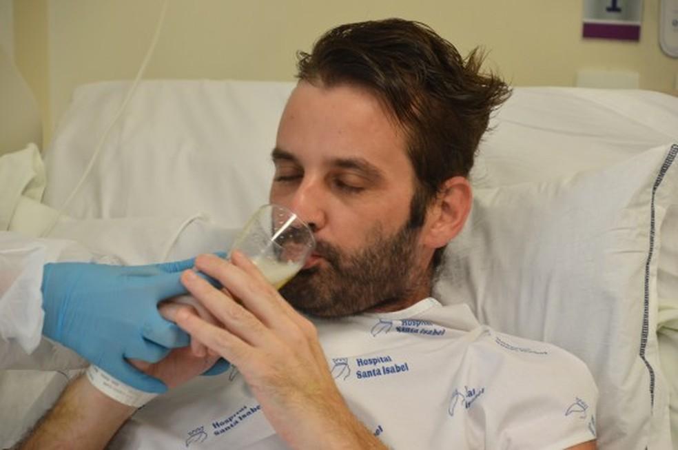 Paciente internado por causa da Covid tomou cerveja em hospital— Foto: Gabriel Silva/Hospital Santa Isabel