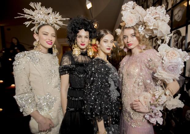 Alta Moda verão 2018  o desfile couture da Dolce   Gabbana em Nova ... 94faa825be