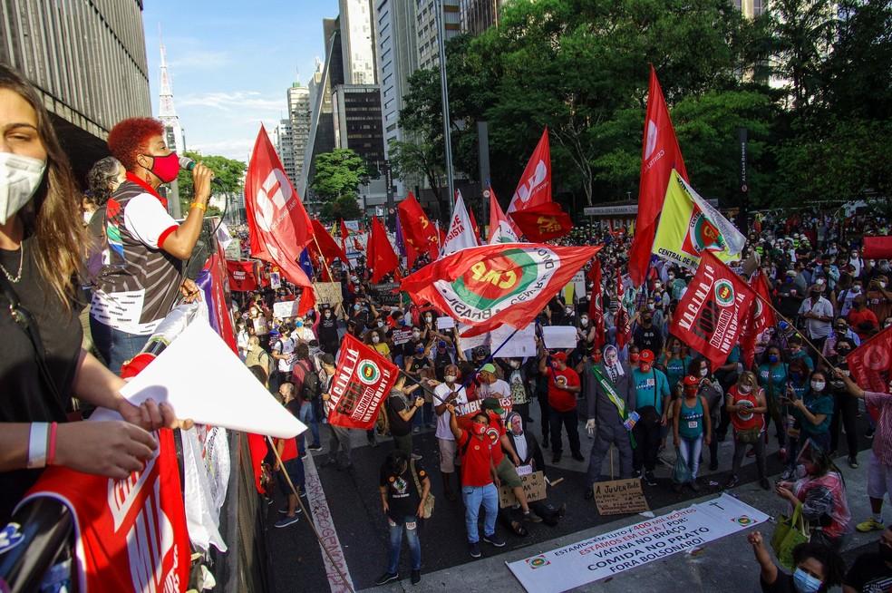 Protesto contra o presidente Jair Bolsonaro na AvenidaPaulista,em São Paulo, neste sábado (29). — Foto: ROBERTO SUNGI/FUTURA PRESS/FUTURA PRESS/ESTADÃO CONTEÚDO