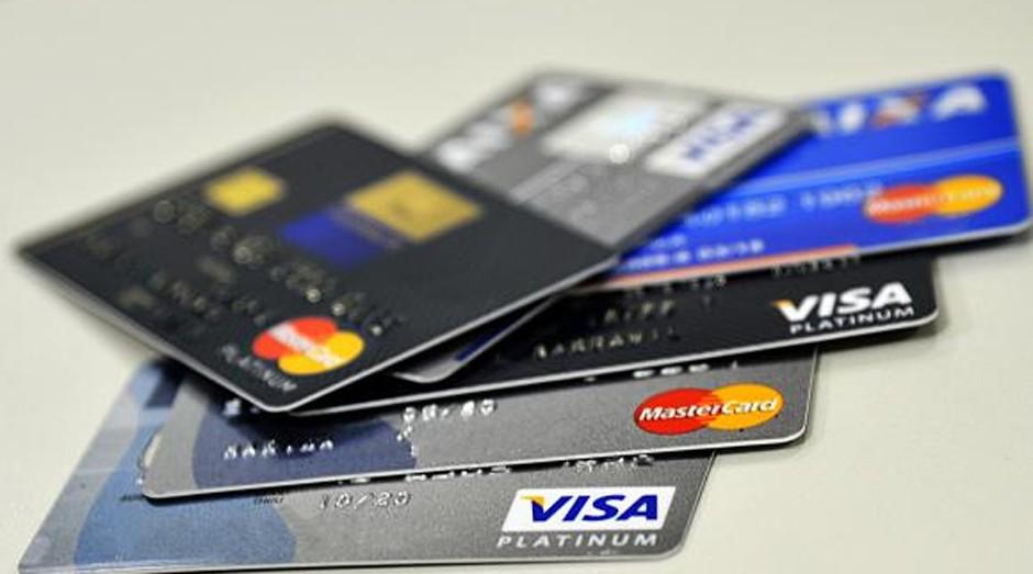 Cartão de crédito: Brasil tem uma das taxas mais altas do mundo (Foto: Marcello Casal Jr/Agência Brasil)
