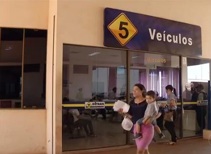 Estado tem dívida de R$ 4 milhões com emissão de CNHs; serviço segue parado