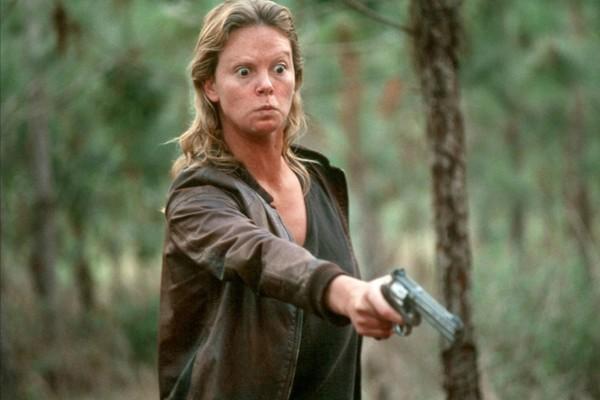 Charlize Theron em 'Monster: Desejo Assassino' (2003). (Foto: Reprodução)