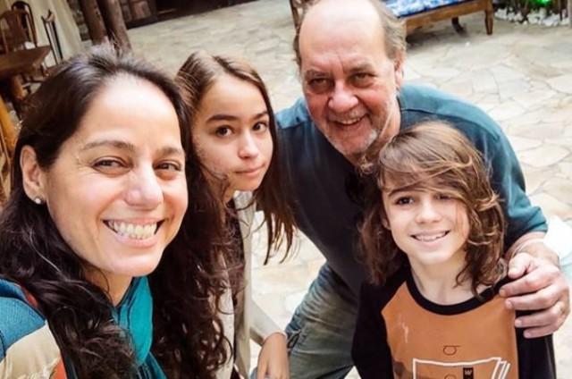 Claudia Mauro com Paulo Cesar Grande e os filhos (Foto: Reprodução/Instagram)