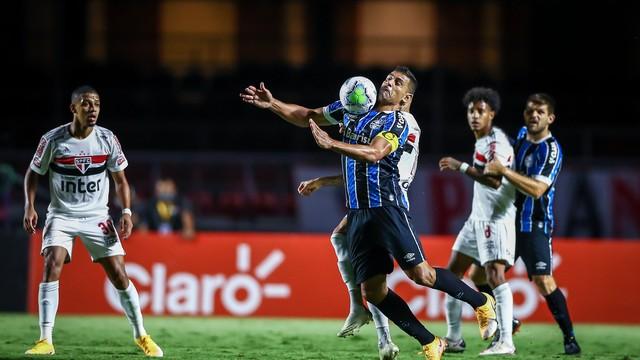 Diego Souza em São Paulo 0x0 Grêmio