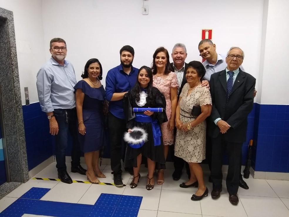 Portadora de síndrome de down, Marina Gutierrez conclue o curso de Gestão em Recursos Humanos em faculdade do Pará, — Foto: Divulgação / Estácio