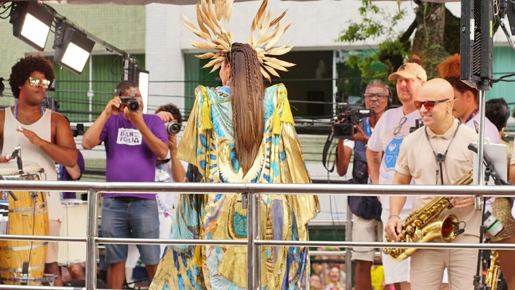 Ivete Sangalo agita multidão no Campo Grande no último dia de folia — Foto: Márcio Reis /Ag Haack