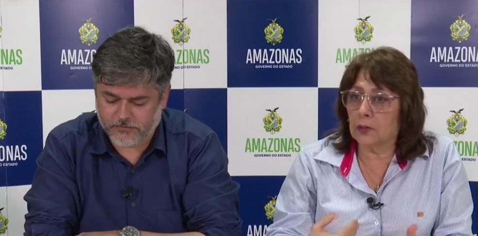 Diretora-presidente da FVS, Rosemary Costa Pinto, em coletiva de imprensa em março do ano passado, ao lado do então secretário de saúde do AM, Rodrigo Tobias. — Foto: Reprodução/internet