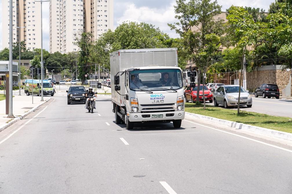 Caminhão elétrico da Jac, o iEV 1200T tem vocação urbana — Foto: Fábio Tito/G1