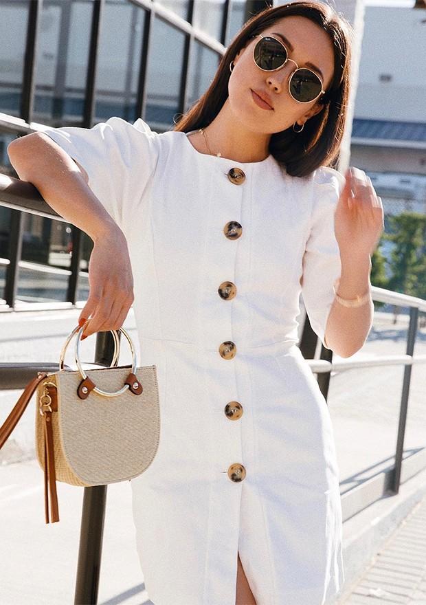 Mas o modelo também ganha versões mais elegantes, ótimos para um dia de trabalho (Foto: Instagram / Emily Tong)