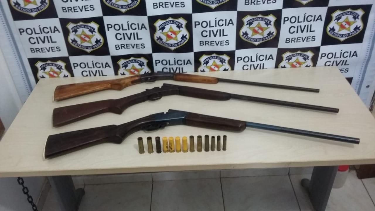 Polícia apreende três espingardas em uma casa no município de Breves, no Marajó