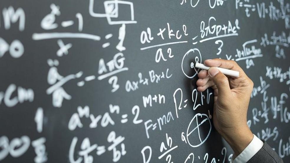 O comportamento humano é regido por uma série de equações, diz o matemático David Sumpter — Foto: ISTOCK via BBC Brasil