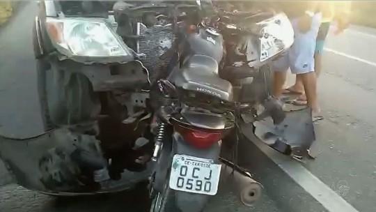 Motociclista morre após colidir de frente com caminhonete em Canindé
