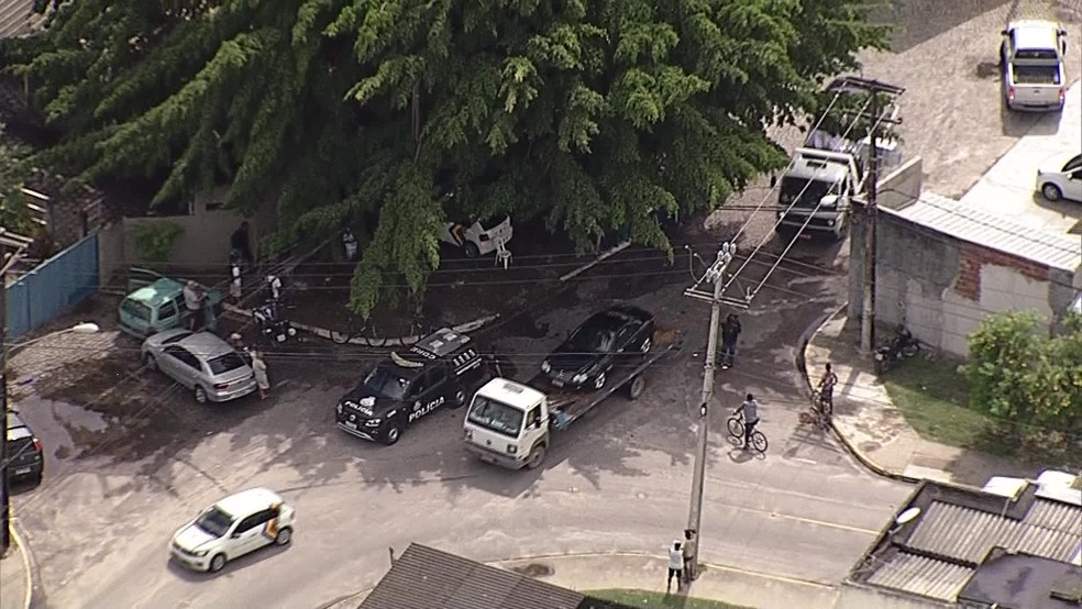 Polícia Civil cumpriu mandados de busca e apreensão na Ecomariner, na Zona Sul do Recife, nesta quinta-feira (9), na Operação Mar Aberto — Foto: Reprodução/TV Globo