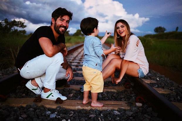 Sandro Pedroso, Noah e Jéssica Costa (Foto: Instagram / Reprodução)