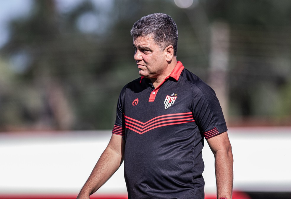 Marcelo Cabo, técnico do Atlético-GO, foi procurado pelo Vasco — Foto: Heber Gomes / Atlético-GO
