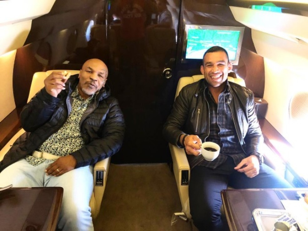 Mike Tyson Fabricio Werdum avião particular — Foto: Reprodução / Instagram