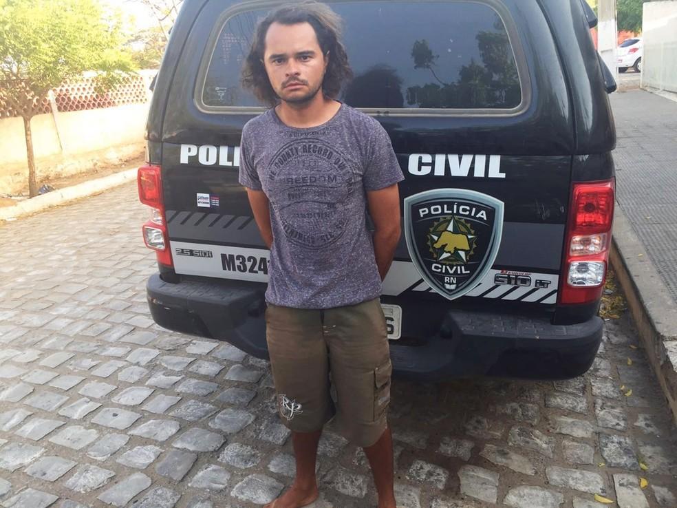 Leonardo de Melo Barros foi preso em Fortaleza — Foto: Polícia Civil/Divulgação