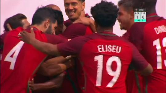 João Moutinho faz dois golaços de falta, e Portugal goleia Chipre em amistoso