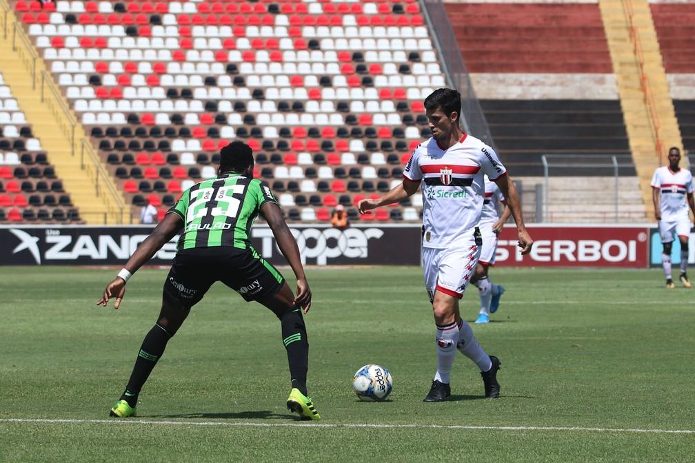 Henan atuou pelo Botafogo-SP e agora defenderá a Ferroviária — Foto: Raul Ramos/Agência Botafogo