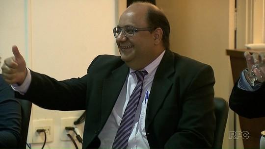 Luciano Odebrecht participa de debate entre candidatos