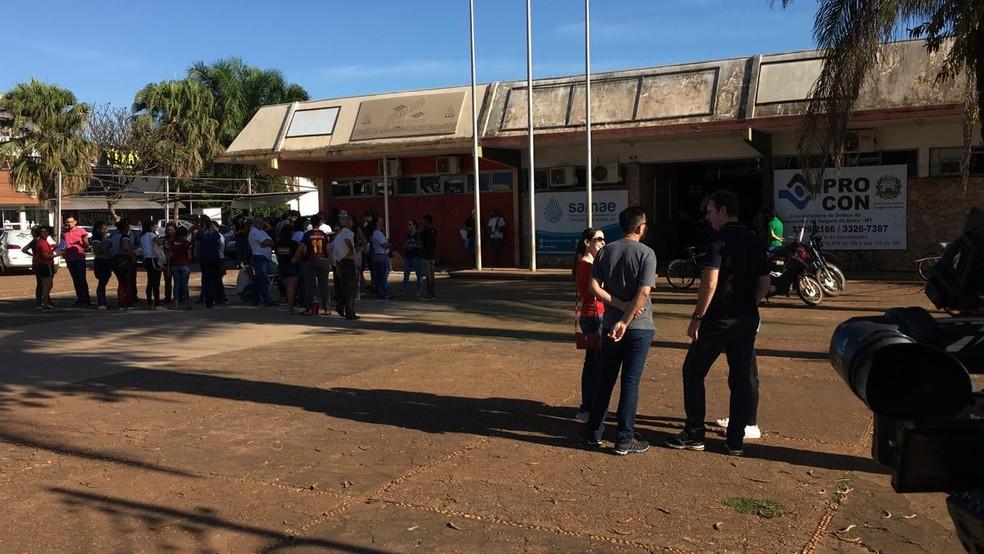 Manifestação realizada na manhã desta quinta-feira, em Tangará da Serra — Foto: José Pereira/TV Centro América