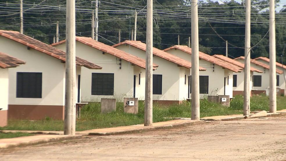 Imóveis do conjunto Rio Doce, em Linhares, no Espírito Santo (Foto: Ari Melo/ TV Gazeta)