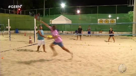 Competição de beach tennis reúne 250 atletas em Natal