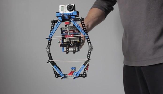 Estabilizador DIY feito de lego para GoPro (Foto: Divulgação/ProductTank)