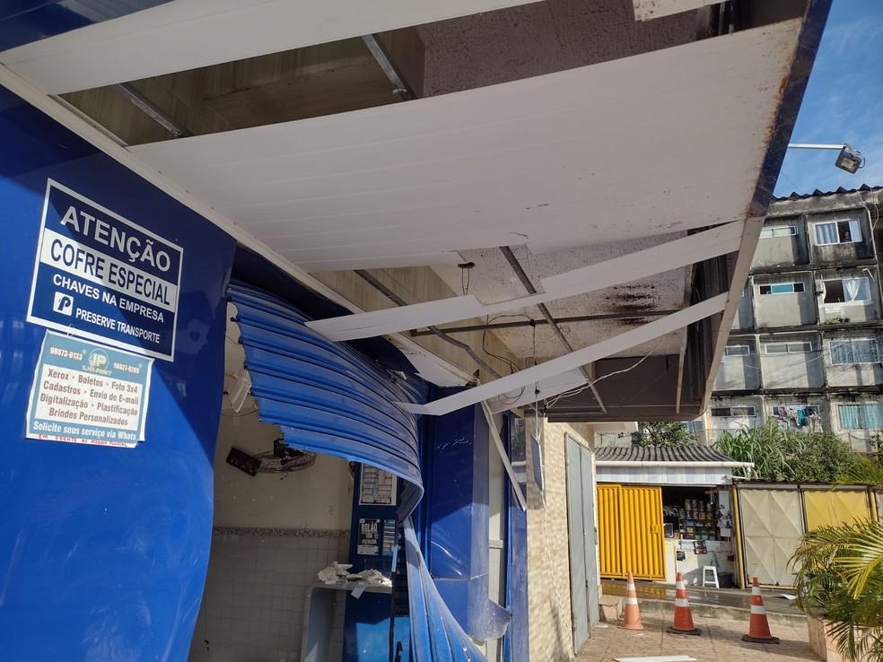 Casa lotérica é explodida em Simões Filho, região metropolitana de Salvador — Foto: Cid Vaz/TV Bahia