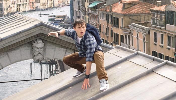 Peter Parker (Tom Holland) tem seus planos de férias atrapalhados em sequência de Homem-Aranha  (Foto: Divulgação)