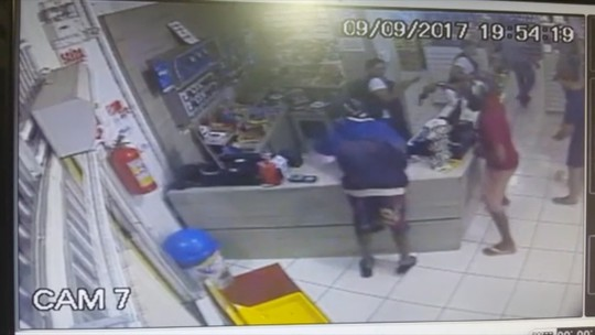 Assaltantes são baleados durante tentativa de roubo em MS; veja o vídeo