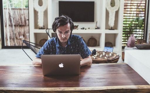 Nômade digital: como é a vida de quem escolheu trabalhar enquanto viaja pelo mundo
