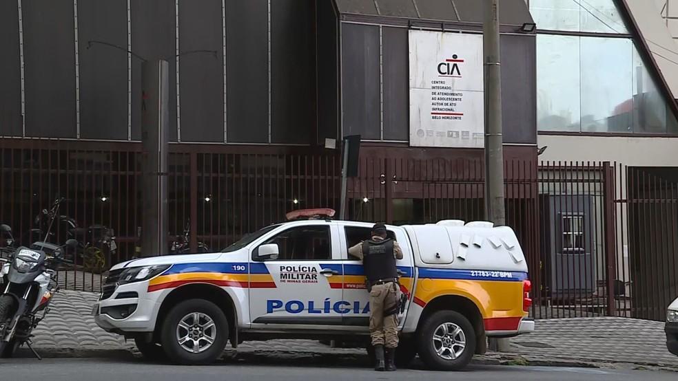 Pais procuraram a polícia porque receberam vídeo do estupro pelas redes sociais — Foto: Reprodução/TV Globo