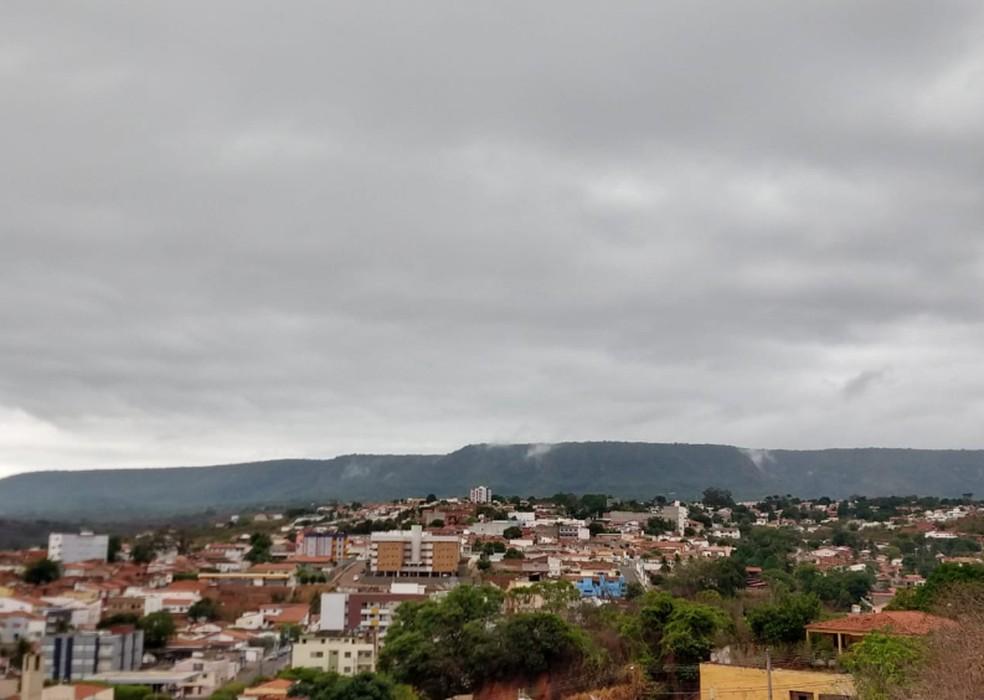 Chuva ajuda a deixar o clima mais ameno na Região do Cariri. — Foto: Isaac Macêdo/TV Verdes Mares