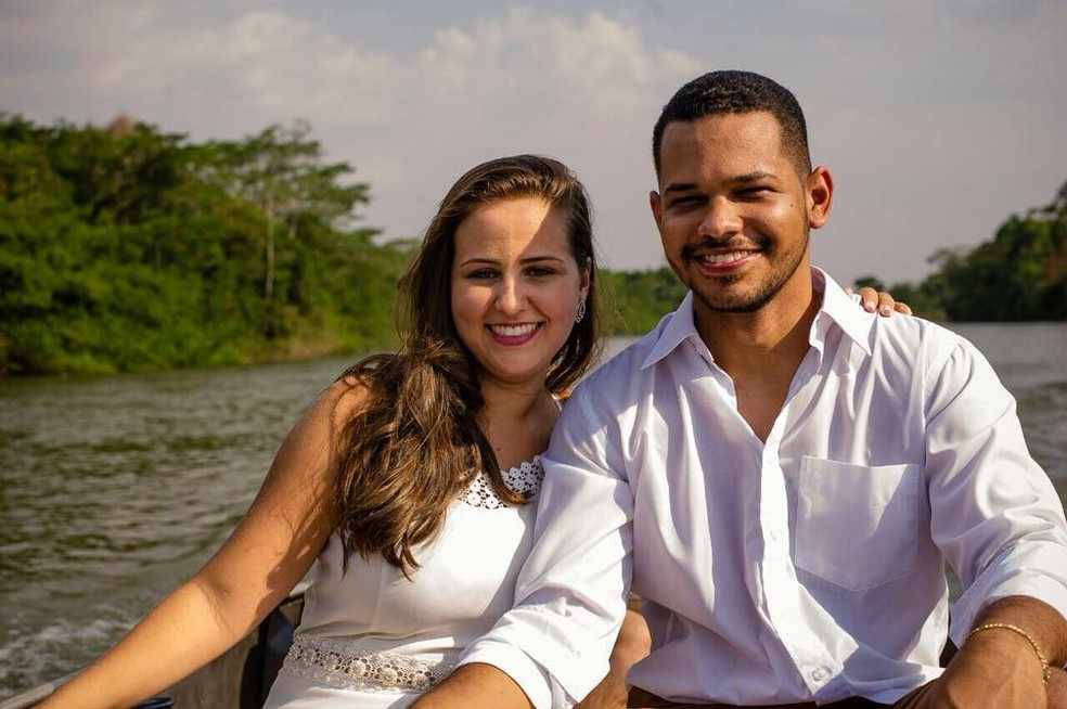Noivos levaram calote de R$ 30 mil e tiveram festa improvisada em Rondonópolis (Foto: Sérgio Simões)