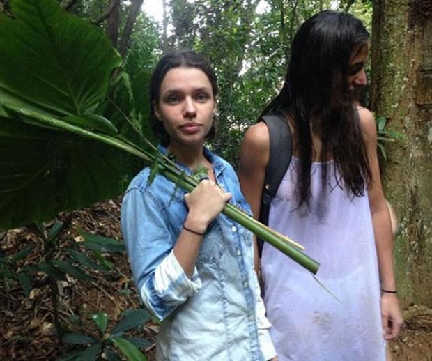 Bruna Linzmeyer e namorada Priscila (Foto: Reprodução)