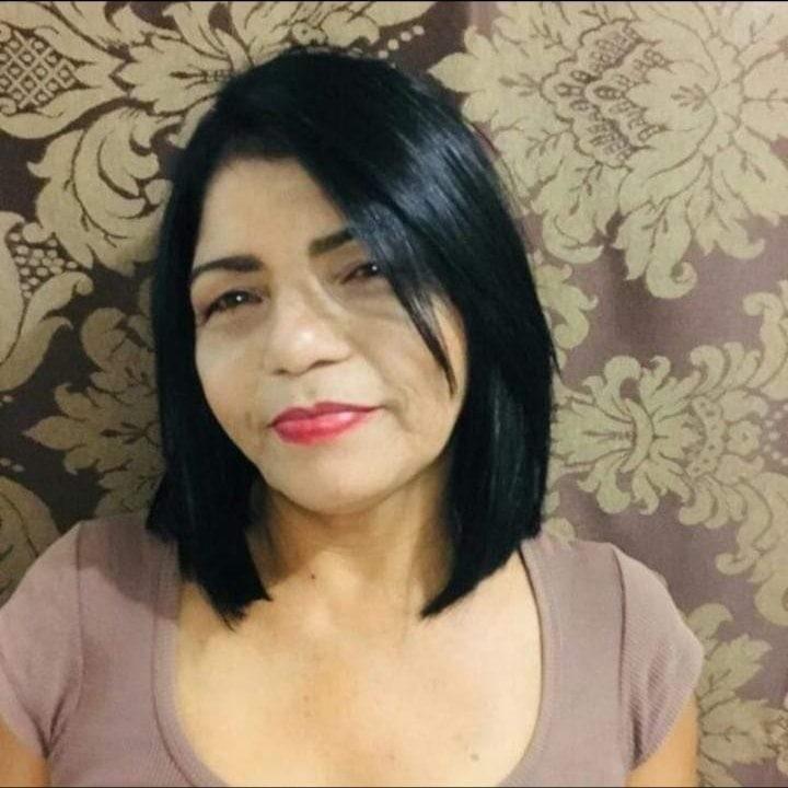 Mulher deixa de comer após garganta ser 'fechada' por 7 nódulos: 'Engasga'