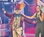 Stepan Nercessian, caracterizado como Chacrinha, e Ivete Sangalo gravam o especial em homenagem ao Velho Guerreiro | TV Globo / Pedro Curi