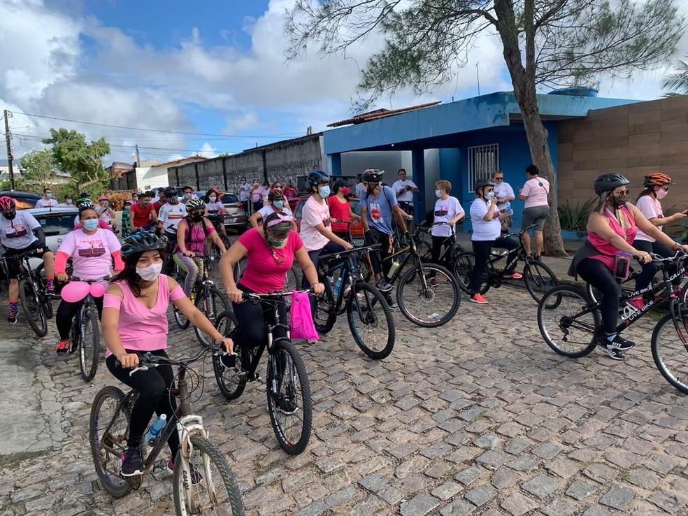 Outubro Rosa: Pedalada em Natal alerta para o combate ao câncer de mama. — Foto: Anna Alyne Cunha/Inter TV Cabugi