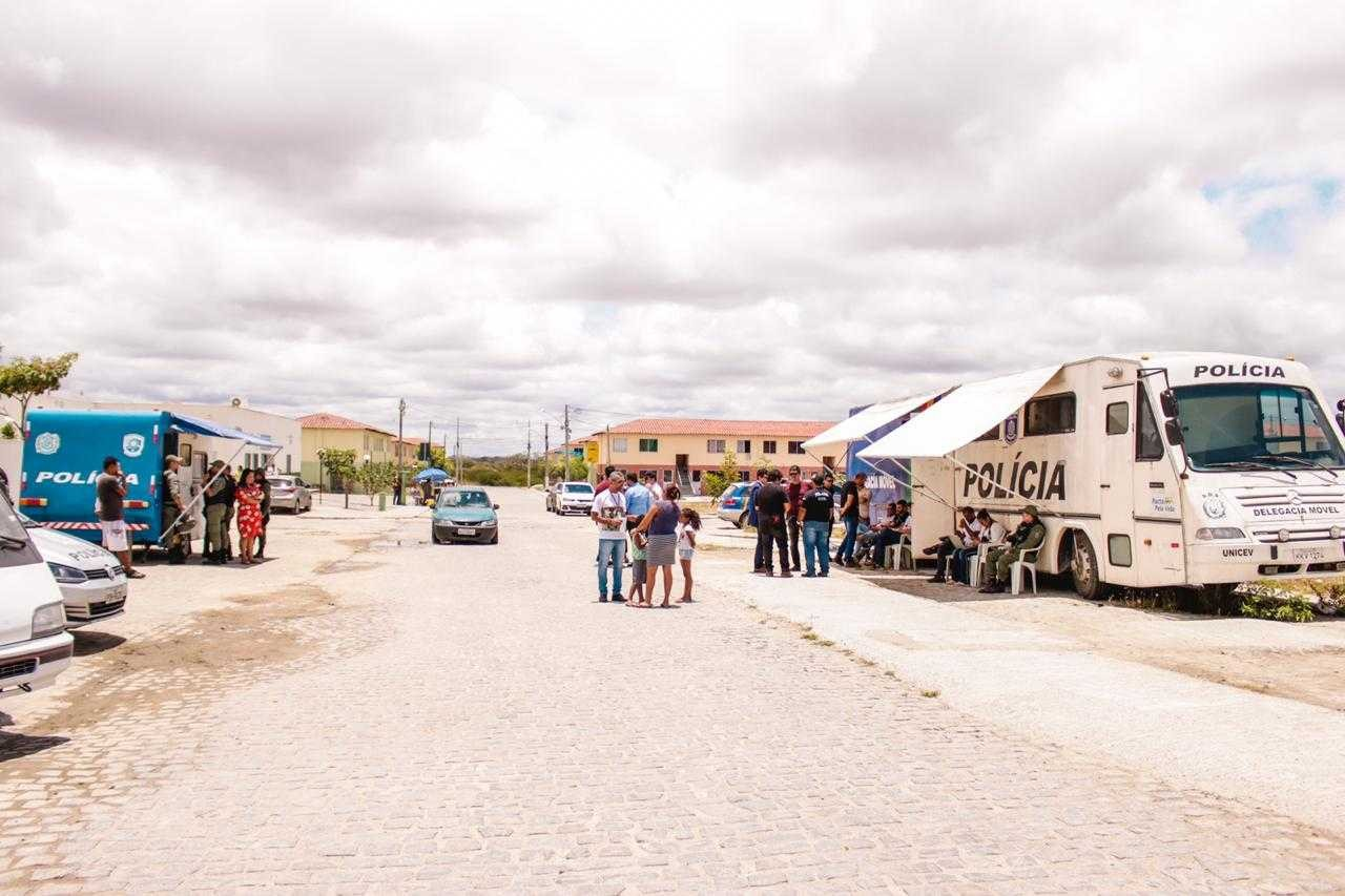 Residencial Alto do Moura recebe mutirão de atendimento em Caruaru - Notícias - Plantão Diário