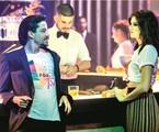 Jesuíta Barbosa e Camila Queiroz gravam a cena de 'Verão 90' | Victor Pollak/TV Globo