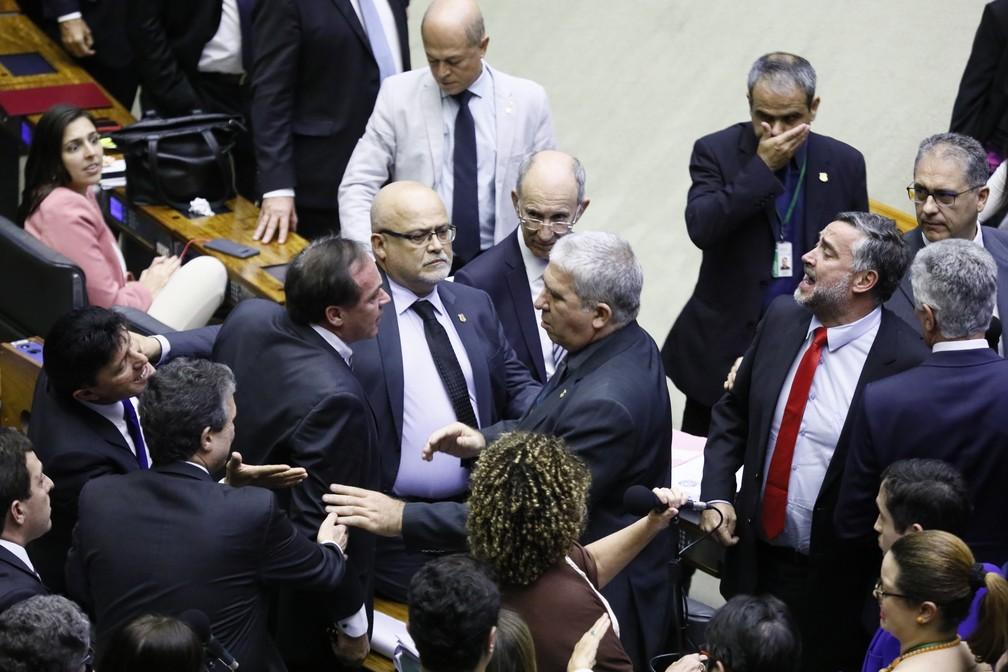 Deputados discutem no plenário da Câmara durante votação da MP da reforma administrativa — Foto: Luis Macedo/Câmara dos Deputados